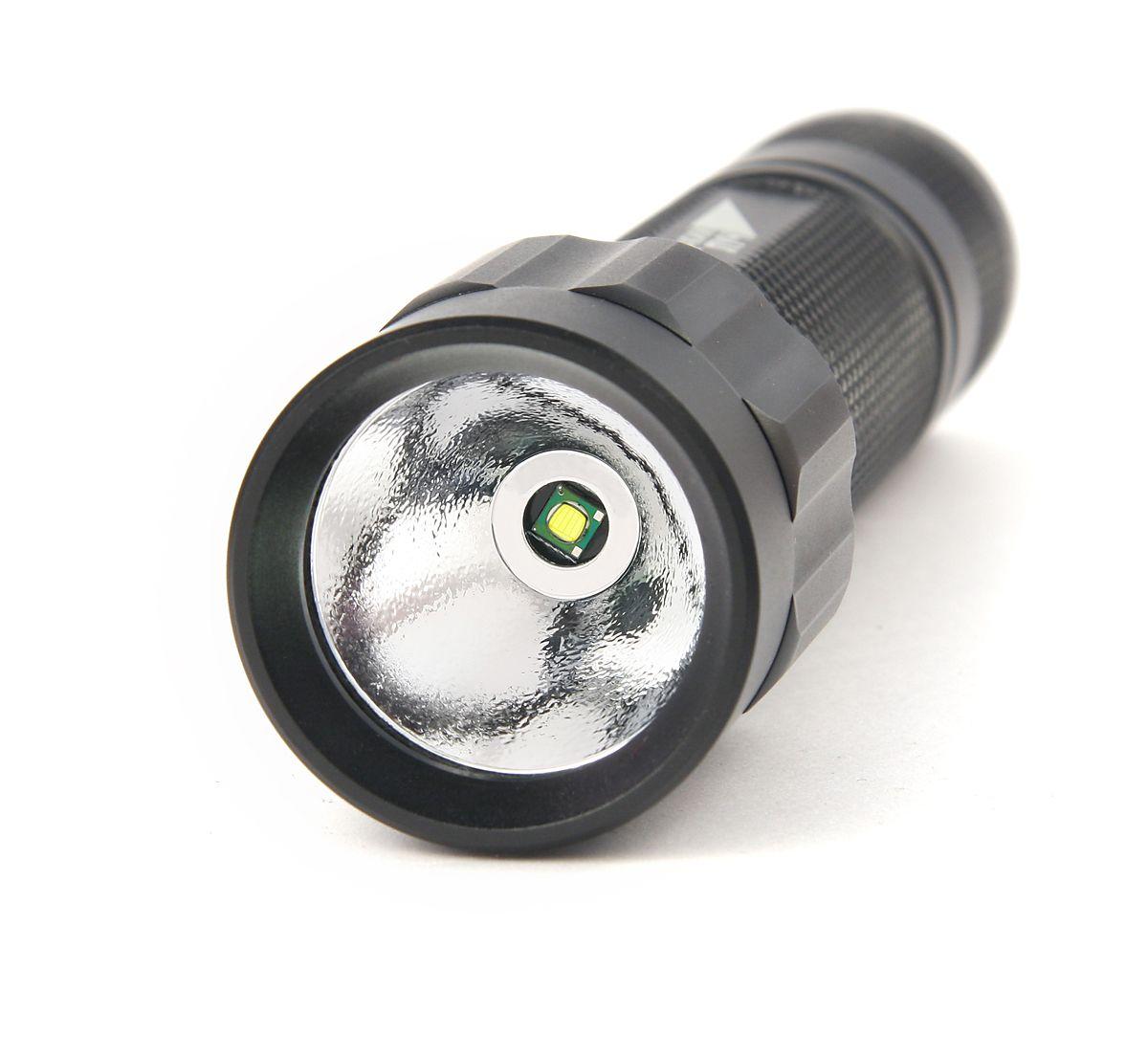 Фонарь подствольный Яркий Луч T8. Hunter4606400613657Тактический подствольный фонарь Яркий Луч T8. Hunter: Отличается несложной установкой практически на все виды винтовок и ружей, в том числе оснащенных оптическими прицелами (диаметр кольца 25 мм) и/или дополнительными магазинами. Источник света: яркий светодиод CREE XP-G R5 400 люмен. Два режима работы: 100%, 30%. Регулируемое крепление для ружей и винтовок на диаметр 17 - 25 мм с шестигранным ключом. Сетевое зарядное устройство 100 – 240 В. Элементы питания литий-ионный аккумулятор 18650 (защищенный) 3.7 В, 2200 мАч, 1 шт. (в комплекте). Время работы: 2 часа непрерывной работы (ANSI). Длина: 130 мм. Вес: 115 г (без элементов питания). Диаметр: 25.5 мм корпус, 33.5 мм головная часть. Рефлектор: алюминиевый, O 28.8 мм. Ремешок на запястье. Чехол для ношения на поясе. Силиконовая смазка SL 6. Корпус алюминиевый сплав: ударопрочность, влагозащищенность IPX7, не подвержен коррозии. Кнопки включения: помимо обычной, выносная кнопка также включена в комплект.