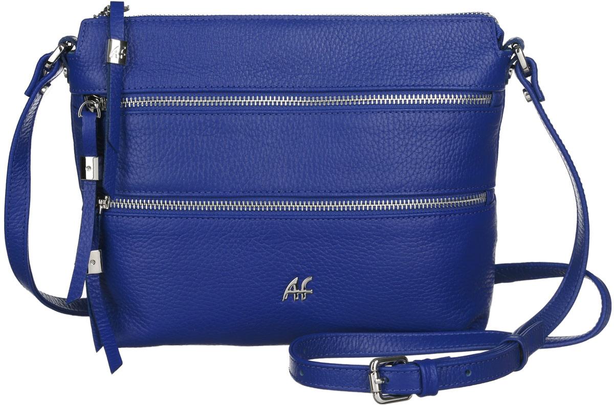 Сумка женская Afina, цвет: синий. 230230Стильная женская сумка Afina изготовлена из натуральной кожи зернистой фактуры, оформлена металлической фурнитурой и логотипом бренда. Сумка состоит из одного отделения, которое застегивается на металлическую застежку-молнию. Внутри врезной карман на молнии и два накладных кармашка для телефона и мелочей. Лицевая сторона дополнена двумя горизонтальными прорезными карманами на молниях, бегунки которых украшены кожаными ремешками с декоративными элементами. На задней стенке предусмотрен врезной карман на молнии. Изделие оснащено несъемным плечевым ремнем, регулируемой длины. Прилагается фирменный пакет для хранения. Модная сумка Afina идеально дополнит образ и подчеркнет ваш неповторимый стиль.