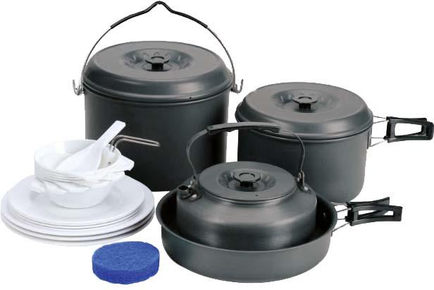 Набор посуды Сплав, 24 предмета5108713Набор посуды Сплав отлично подойдет для приготовления пищи в походе на 6-7 человек. Набор компактно складывается и не занимает много места. Изделия легко моются, а твердый защитный слой, полученный при анодировании, защищает поверхность от коррозии и царапин. Чайник, кастрюли и сковородка изготовлены из анодированного алюминия. Специальные крышки на чайнике и кастрюлях ускоряют процесс приготовления пищи и предохраняют ее от насекомых и мелкого мусора. Ручки складываются, позволяя компактно упаковывать посуду. Складной половник и ложка-лопатка, изготовлены из качественного полипропилена. Для сервировки стола предлагаются 7 плоских и 7 глубоких тарелок из полипропилена. А специальная губка позволит вам легко отмыть посуду даже в ледяной воде горных речек. Состав набора: Чайник с крышкой: диаметр: 175 мм, высота: 75 мм, объем: 1600 мл, вес чайника: 168 г, вес крышки: 45 г. Кастрюля с крышкой и складной ручкой: диаметр: 182 мм, высота: 110 мм, объем: 2500...