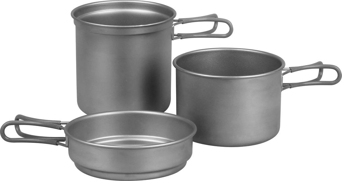Набор титановой посуды Сплав: 2 кастрюли, 1 сковородка, на 6-7 персон5116221Чем сложнее поход, тем больший вес общественного снаряжения приходится на каждого участника, и в небольших группах это ощущается острее всего. Набор титановой посуды абсолютно не обременит вас! Комплект рассчитан на маленькую, мобильную группу из двух-трех человек - очень легкий и компактный. Металл, из которого он изготовлен, характеризуется низкой плотностью и твердостью, не подвержен коррозии и не меняет своих свойств под воздействием высокой температуры. Размеры емкостей подобраны таким образом, что сковородка может служить крышкой для кастрюль, и одновременно в ней можно разогревать пищу. Благодаря подвижным отделанным силиконом ручкам посудой удобно пользоваться во время готовки. Объем сковороды: 400 мл. Размер сковороды: 140 х 40. Вес сковороды: 72 г. Объем кастрюли: 800 мл; 1,2 л. Размер кастрюли: 130 х 85; 130 х 124. Вес кастрюль: 110 г; 172 г. Общий вес: 354 г.