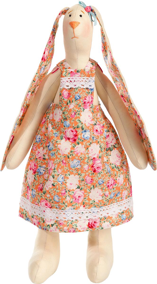 Набор для шитья игрушки Цветница куклы Зайка Дачница, 29 смИН013Зайка дачница. Набор для шитья текстильной игрушки. Туловище игрушки выстрочено. Наполнитель для набивания в комплект не входит. Комплектность набора: Выстроченные детали туловища, ткань для одежды- хлопок 100%, нитки мулине, бусины, атласная лента, кружево, декоративный элемент, инструмент для выворачивания, инструкция по пошиву. Размер в готовом виде (высота), см: 29.