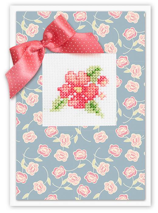 Набор для изготовления открытки Luca-S Розовый цветок, 14,8 см х 21 см(S)P-43Набор для изготовления открытки Розовый цветок, размер А5 Набор для самостоятельного изготовления открытки.Полная сборка,содержит элементы для вышивания. Набор для самостоятельного изготовления открытки.Полная сборка,содержит элементы для вышивания. Белый картон: 1x 14,8 х 21 cм Цветной картон: 1x 9 х13,4 cм Наклейка: 1x 9 х 13 cм Ленточка: 20 cм Канва Аида 14 Zweigart белого цвета 8 х 9 cм Мулине Anchor: 6 цветов по 0,5 метра Двойной скотч: 6 cм Объёмный двойной скотч: 8 cм Иголка: 1шт Схема и инструкция на русском языке