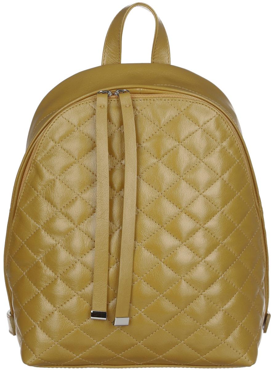 Рюкзак женский Afina, цвет: горчичный. 64106410Стильный женский рюкзак Afina выполнен из натуральной кожи. Лицевая сторона оформлена стежкой. Изделие имеет одно основное отделение, закрывающееся на застежку-молнию. Внутри расположены прорезной карман на застежке-молнии, накладной открытый карман с отделением на застежке-молнии и два накладных открытых кармана. Снаружи, на задней стенке находится прорезной карман на застежке-молнии. Рюкзак оснащен удобными лямками регулируемой длины и ручкой для переноски в руке. Практичный и стильный аксессуар позволит вам завершить свой образ и быть неотразимой.