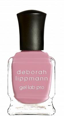 Deborah Lippmann лак для ногтей Beauty School Dropout, Gel Lab Pro Colors 15 мл20373Deborah Lippmann представляет летнюю коллекцию лаков Happy Days с обновленной инновационной Gel Lab PRO формулой. Запатентованная формула новых лаков обогащена десятью активными ингредиентами, которые обеспечивают здоровье Вашим ногтям, а маникюру - стойкость, яркий блеск и финиш, подобный гелевому маникюру. Лаки новой коллекции снабжены обновленной контурной кистью, круглый кончик которой позволяет максимально ровно прорисовать линию вокруг кутикулы, а 360 щетинок равномерно распределяют лак по всей ногтевой пластине, не оставляя разводов. Для здоровья ногтей: экстракт вечерней примулы, кератин, биотин, экстракт зеленого чая, экстракт Aucoumea Klaineana, натуральной смолы североафриканского дерева и запатентованный комплекс Nonychosine F, который придает ломким ногтям силу и выравнивает их поверхность. Для стойкости: платиновая пудра, эпоксидная смола Для блеска: шелковая фибра, плексигласс. Все лаки коллекции обеспечивают плотное покрытие уже после 1 слоя! Beauty School Dropout :...