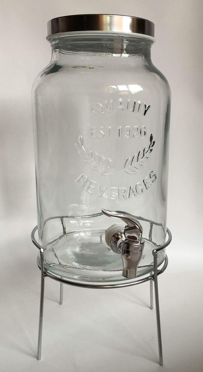 Диспенсер для напитков Magic Home, 5,5 л, с краном. 4258442584Диспенсер для напитков Magic Home выполнен из высококачественного металла и стекла. Такой диспенсер предназначен для подачи холодных напитков. Он оснащен пластиковым краником для более удобного разлива напитков. Оригинальный дизайн диспенсера позволит украсить любую кухню, внеся разнообразие, как в строгий классический стиль, так и в современный кухонный интерьер.
