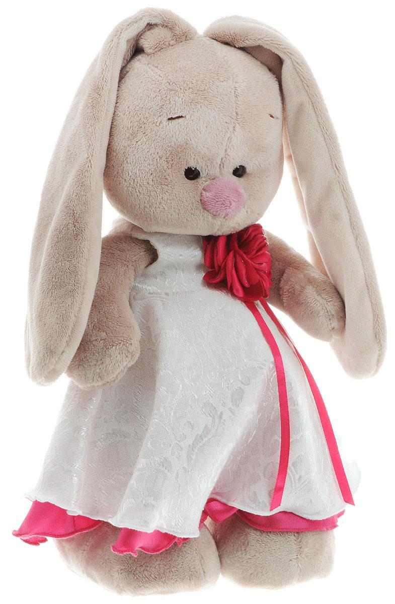 Мягкая игрушка Зайка Ми в белом платье с розой 31 смStM-171Мягкая игрушка Зайка Ми подарит малышу немало прекрасных мгновений. Мягкая игрушка изготовлена на основе сказочных образов двух зайчиков. Зайки Мика и Мия похожи друг на друга, как две пуговки на одной рубашке. Поэтому все зовут их ЗайкаМи. Эти милые зайки необыкновенно творческие натуры и ни минуты не сидят без дела. Выбери своего Зайку, или собери их несколько вместе! У игрушки маленькие черные глазки, длинные мягкие ушки и симпатичный носик. На Зайке нарядное платье белого цвета из атласной ткани. Платье украшено цветком с ленточками из атласной ткани цвета фуксии. Широкая юбка у платья на подкладе из такой же ткани, как и цветок. Мягкие игрушки очень полезны для малышей, потому как весьма позитивно влияют на детскую нервную систему, прогоняя всевозможные страхи. Играя, малыш развивает фантазию и воображение, развивает тактильную чувствительность и хватательные рефлексы. Игрушка выполнена из нетоксичных гипоаллергенных материалов и содержит мелкие...