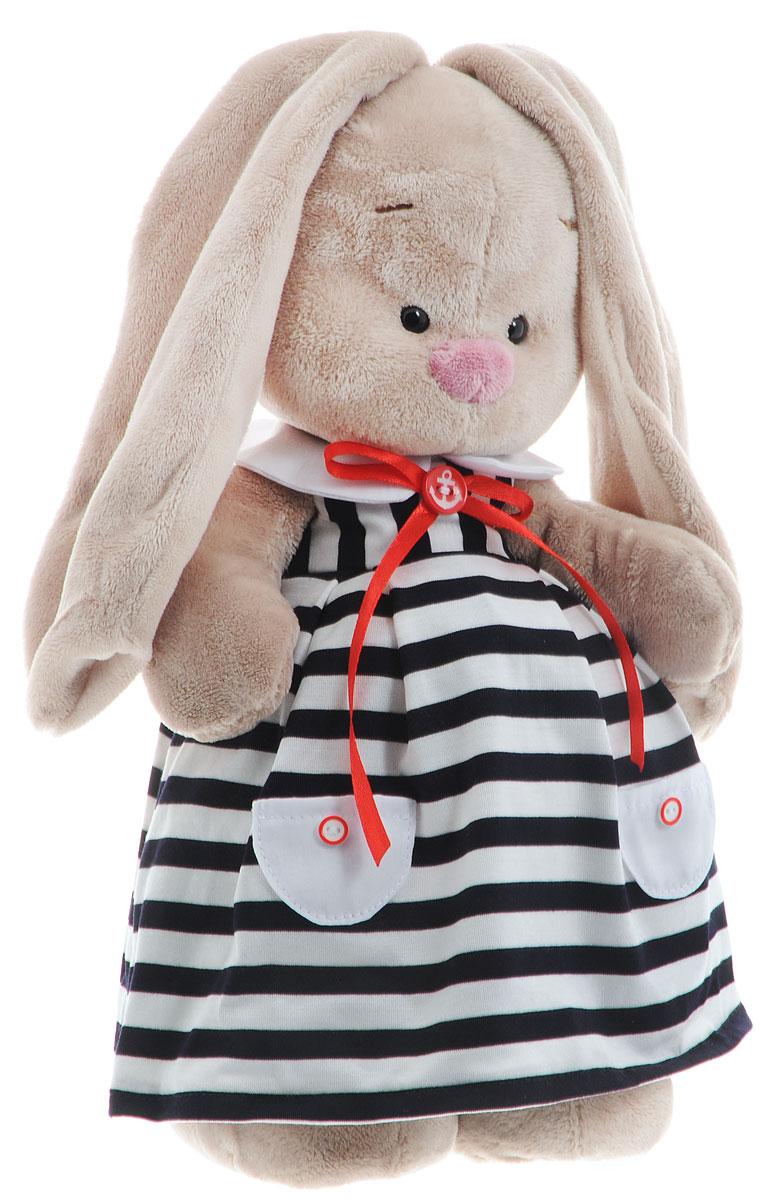 Мягкая игрушка Зайка Ми в морском платье 31 смStM-172Мягкая игрушка Зайка Ми подарит малышу немало прекрасных мгновений. Мягкая игрушка изготовлена на основе сказочных образов двух зайчиков. Зайки Мика и Мия похожи друг на друга, как две пуговки на одной рубашке. Поэтому все зовут их ЗайкаМи. Эти милые зайки необыкновенно творческие натуры и ни минуты не сидят без дела. Выбери своего Зайку, или собери их несколько вместе! У игрушки маленькие черные глазки, длинные мягкие ушки и симпатичный носик. На Зайке длинное платье из хлопковой ткани в полоску в морском стиле. На платье есть белые кармашки с пуговками и белый круглый воротничок. Украшает платье красный бантик из атласной ленты с красной пуговкой. На пуговке белый якорь. Мягкие игрушки очень полезны для малышей, потому как весьма позитивно влияют на детскую нервную систему, прогоняя всевозможные страхи. Играя, малыш развивает фантазию и воображение, развивает тактильную чувствительность и хватательные рефлексы. Игрушка выполнена из нетоксичных...