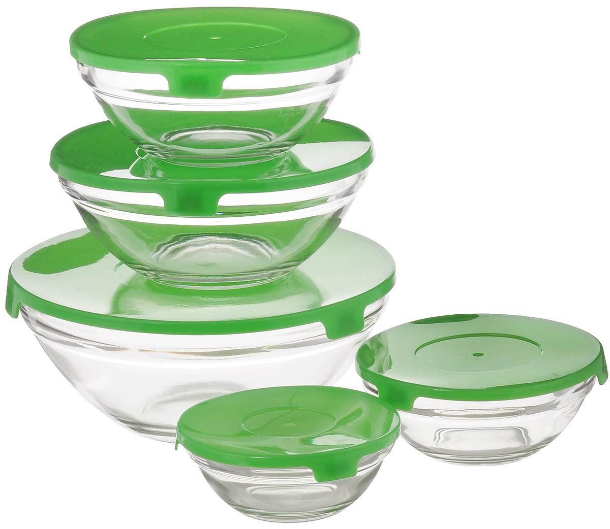 Набор салатников Miolla, цвет: прозрачный, зеленый, 5 шт2003290U_прозрачный, зеленыйНабор Miolla состоит из 5 круглых салатников, выполненных из прочного стекла, и 5 пластиковых крышек. Изделия прекрасно подходят для сервировки салатов и закусок, маленькие салатники идеальны для подачи соусов. Поверхность изделий гладкая и ровная, легко чистится. Салатники снабжены плотно закрывающимися крышками, благодаря которым продукты удобно хранить в холодильнике. Такой набор станет практичным приобретением для вашей кухни. Изделия можно мыть в посудомоечной машине и использовать в микроволновой печи. Диаметр салатников: 9 см, 10,5 см, 12,5 см, 14 см, 17 см. Высота салатников: 4 см, 4,5 см, 5 см, 5,5 см, 7,5 см.
