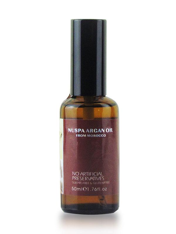Morocco Argan Oil Масло арганы для волос 50 мл Nuspa6590133Активные ингредиенты и их эффект:Масло арганы это натуральный растительный компонент, созданный природой для Вашей красоты. После использования этого жидкого золота волосы сияют изнутри, они гораздо лучше защищены от негативных факторов внешнего мира, получают максимум питания и увлажнения.Масло семян льна усиливает и дополняет действие масла арганы. Благодаря богатому составу оно замедляет выпадение волос, предотвращает образование перхоти, нормализует работу сальных желез. Льняное масло отлично питает увлажняет волосы, делает из послушными и гладкими.