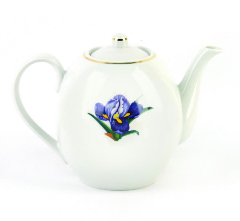 Чайник заварочный Фарфор Вербилок Вернисаж. 15406501540650Для того чтобы насладиться чайной церемонией, требуется не только знание ритуала и чай высшего сорта. Необходим прекрасный заварочный чайник, который может быть как центральной фигурой фарфорового сервиза, так и самостоятельным, отдельным предметом. От его формы и качества фарфора зависит аромат и вкус приготовленного напитка. Именно такие предметы формируют в доме атмосферу истинного уюта, тепла и гармонии. Можно ли сравнить пакетик с чаем или растворимый кофе с заварными вариантами этих напитков, которые нужно готовить самим? Каждый их почитатель ответит, что если применить кофейник или заварочный чайник, то можно ощутить более богатый, ароматный вкус этих замечательных напитков.
