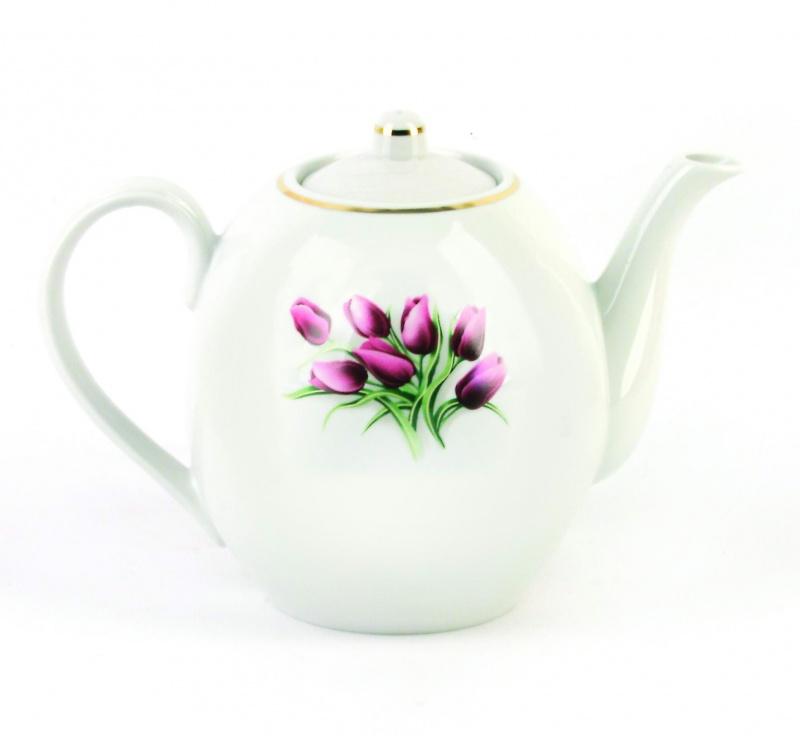 Чайник заварочный Фарфор Вербилок Тюльпаны. 15409801540980Для того чтобы насладиться чайной церемонией, требуется не только знание ритуала и чай высшего сорта. Необходим прекрасный заварочный чайник, который может быть как центральной фигурой фарфорового сервиза, так и самостоятельным, отдельным предметом. От его формы и качества фарфора зависит аромат и вкус приготовленного напитка. Именно такие предметы формируют в доме атмосферу истинного уюта, тепла и гармонии. Можно ли сравнить пакетик с чаем или растворимый кофе с заварными вариантами этих напитков, которые нужно готовить самим? Каждый их почитатель ответит, что если применить кофейник или заварочный чайник, то можно ощутить более богатый, ароматный вкус этих замечательных напитков.