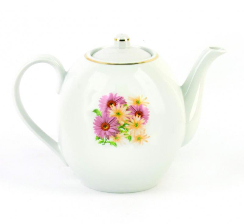 Чайник заварочный Фарфор Вербилок Розовые герберы. 15416601541660Для того чтобы насладиться чайной церемонией, требуется не только знание ритуала и чай высшего сорта. Необходим прекрасный заварочный чайник, который может быть как центральной фигурой фарфорового сервиза, так и самостоятельным, отдельным предметом. От его формы и качества фарфора зависит аромат и вкус приготовленного напитка. Именно такие предметы формируют в доме атмосферу истинного уюта, тепла и гармонии. Можно ли сравнить пакетик с чаем или растворимый кофе с заварными вариантами этих напитков, которые нужно готовить самим? Каждый их почитатель ответит, что если применить кофейник или заварочный чайник, то можно ощутить более богатый, ароматный вкус этих замечательных напитков.