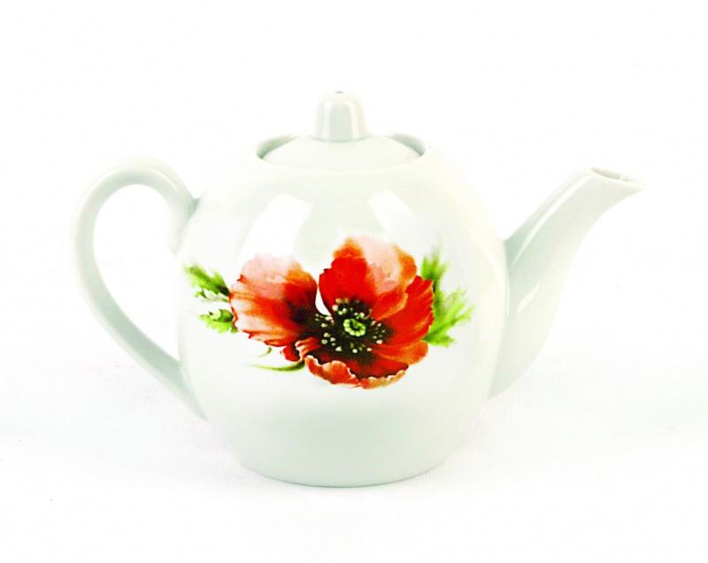 Чайник заварочный Фарфор Вербилок Маков цвет. 16407601640760Для того чтобы насладиться чайной церемонией, требуется не только знание ритуала и чай высшего сорта. Необходим прекрасный заварочный чайник, который может быть как центральной фигурой фарфорового сервиза, так и самостоятельным, отдельным предметом. От его формы и качества фарфора зависит аромат и вкус приготовленного напитка. Именно такие предметы формируют в доме атмосферу истинного уюта, тепла и гармонии. Можно ли сравнить пакетик с чаем или растворимый кофе с заварными вариантами этих напитков, которые нужно готовить самим? Каждый их почитатель ответит, что если применить кофейник или заварочный чайник, то можно ощутить более богатый, ароматный вкус этих замечательных напитков.