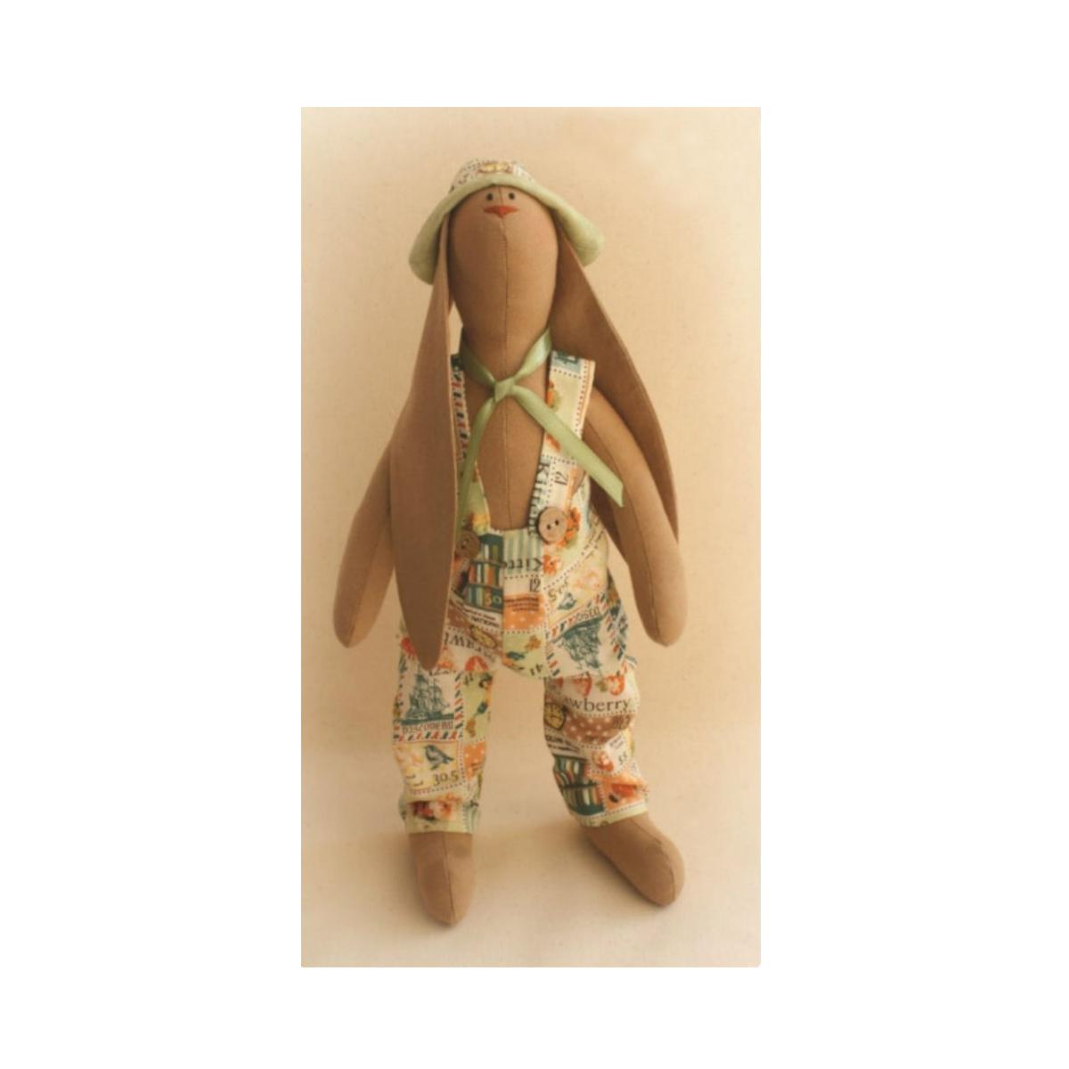 Набор для изготовления куклы Ваниль RabbitS Story, 29 см. R002692490Процесс создания игрушки своими руками - это всегда увлекательное и захватывающее занятие. В состав набора входит: 100% хлопок, пуговицы, нитки, атласная лента, деревянная палочка, выкройка, инструкция.