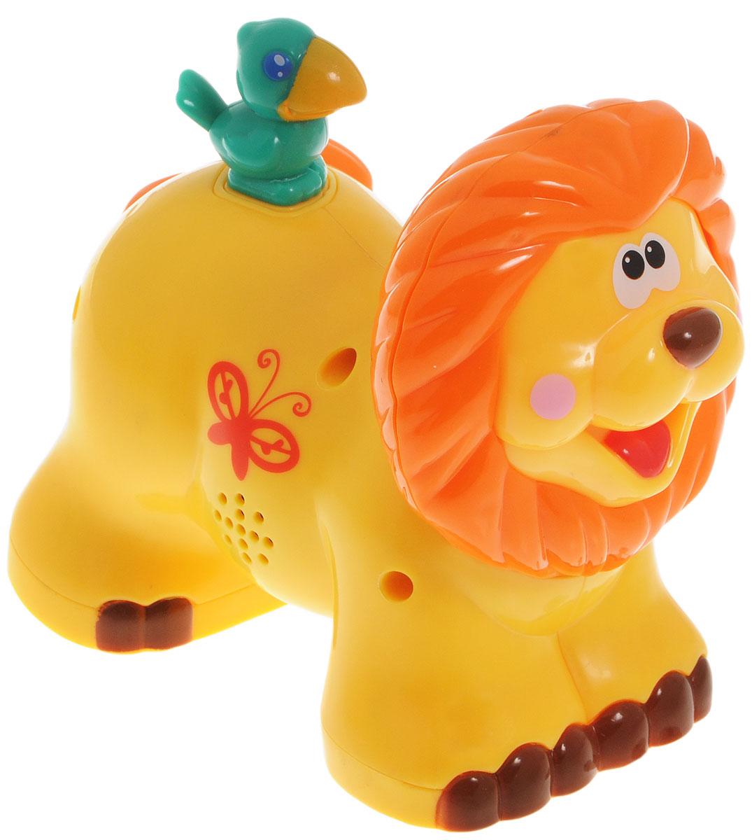 Kiddieland Развивающая игрушка-каталка ЛевKID 051706Развивающая игрушка-каталка Kiddieland Лев понравится вашему ребенку и не позволит ему скучать. Игрушка выполнена в виде симпатичного льва с птичкой, сидящей у него на спине. При нажатии на птичку и движении колесиков звучит веселая музыка, периодически раздается львиный рык. Игрушка оснащена колесиками с инерционным ходом: достаточно немного отвести игрушку назад и отпустить - она тут же поедет вперед. При движении мордочка льва шевелится. Игрушка-каталка Kiddieland Львенок поможет малышу в развитии цветового и звукового восприятия, мелкой моторики рук, координации движений, когнитивных навыков. Для работы игрушки необходимы 3 батарейки напряжением 1,5 V типа AG13 (LR44) (товар комплектуется демонстрационными).