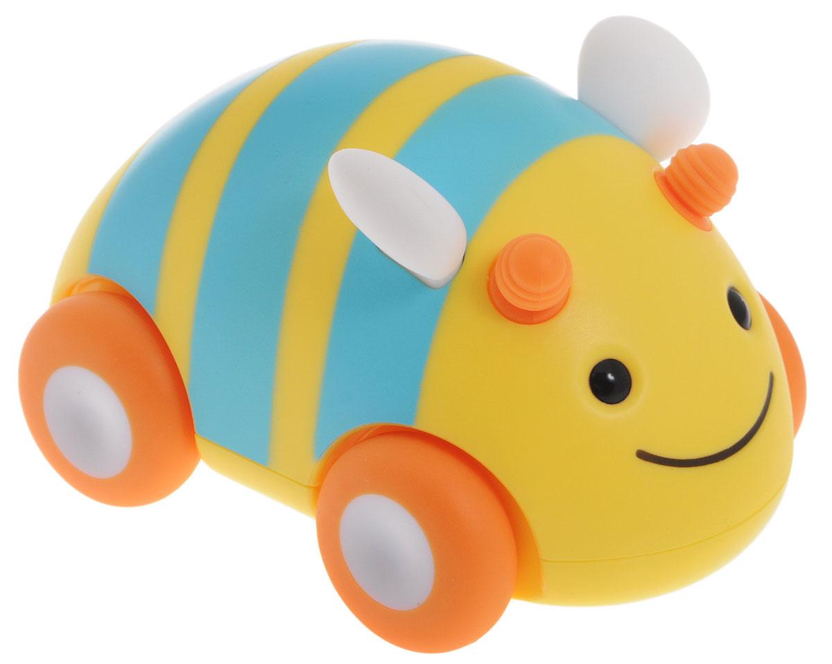 Skip Hop Развивающая игрушка-каталка ПчелаSH 303105Развивающая игрушка-каталка Skip Hop Пчела предназначена для детей, начинающих ползать. Ваш малыш с удовольствием будет катать машинку в виде яркой пчелки и ползать вслед за игрушкой. Игрушка выполнена из безопасных, приятных на ощупь материалов. Размер игрушки подходит для маленьких ручек. Игрушка оснащена инерционным механизмом: достаточно немного откатить машинку назад и отпустить - она быстро поедет вперед. Прорезиненные колеса смягчают движение игрушки и защищают пол от повреждений. Игрушка-каталка Skip Hop Пчела поможет малышу в развитии цветового и звукового восприятия, мелкой моторики рук, координации движений, когнитивных навыков. Не содержит поливинилхлорид и фталаты.