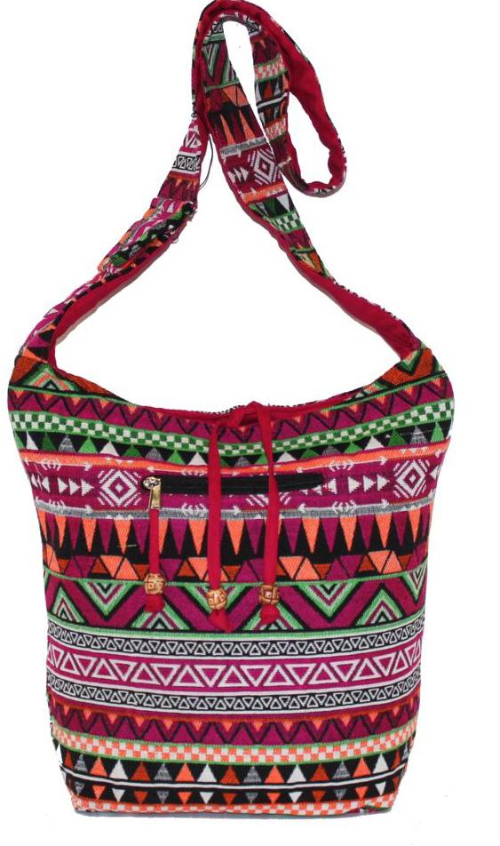 Сумка женская Ethnica, цвет: мультиколор. 195250195250Женская сумка Ethnica изготовлена из текстиля. Дополнена модель широкой удобной лямкой и украшена тонкой вышивкой. Застегивается изделие на застежку-молнию и спереди имеет внешний карман на молнии.