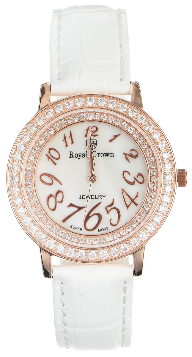 Часы наручные женские Royal Crown, цвет: белый, золотой. 3632-RSG-23632-RSG-2Стильные женские часы круглой формы Royal Crown изготовлены из высокотехнологичной гипоаллергенной нержавеющей стали и латуни. Покрытие корпуса - палладий с розовым золотом и родием, что придает часам благородный блеск драгоценных металлов. Кварцевый механизм имеет степень влагозащиты равную 3 Bar и дополнен часовой, минутной и секундной стрелками. Корпус часов украшен двумя ободками из цирконов, один из которых расположен под стеклом. Для того чтобы защитить циферблат от повреждений в часах используется высокопрочное минеральное стекло. На перламутровом циферблате арабские цифры разного размера органично сочетаются с фигурными стрелками. Браслет комплектуется надежной и удобной в использовании застежкой-пряжкой, которая позволит с легкостью снимать и надевать часы, а также регулировать длину браслета. Часы упакованы в фирменную коробку и дополнительно в подарочную сумку с названием бренда. Часы Royal Crown подчеркнут изящность женской руки и отменное чувство стиля...