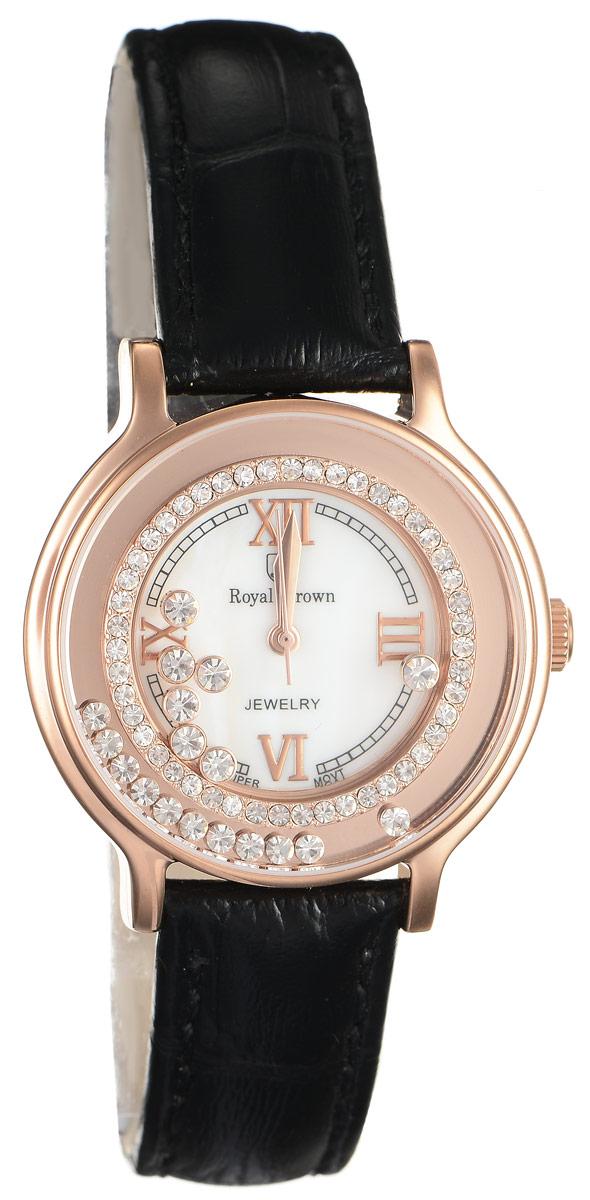 Часы наручные женские Royal Crown, цвет: золотой, черный. 3638L-RSG-13638L-RSG-1Стильные женские часы Royal Crown изготовлены из высокотехнологичной гипоаллергенной нержавеющей стали и латуни и дополнены браслетом из натуральной кожи. С внутренней стороны браслет оформлен тиснением логотипа бренда. Покрытие корпуса - палладий и родий, что придает часам благородный блеск драгоценных металлов. Корпус часов оснащен кварцевым механизмом, который имеет степень влагозащиты равную 3 Bar, а также устойчивым к царапинам минеральным стеклом. На белом циферблате римские цифры органично сочетаются с гранеными стрелками. Циферблат под стеклом обрамлен ободком из мелких цирконов и декорирован россыпью камней более крупного размера, которые перемещаются при движении руки. Браслет комплектуется надежной и удобной в использовании застежкой-пряжкой, которая позволит с легкостью снимать и надевать часы, а также регулировать длину браслета. Часы упакованы в фирменную коробку и дополнительно в подарочную сумку с названием бренда. Часы Royal Crown подчеркнут изящность...