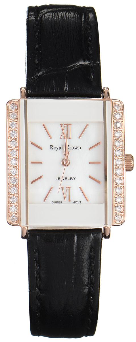 Часы наручные женские Royal Crown, цвет: черный, золотой. 3645B-RSG-13645B-RSG-1Элегантные женские часы Royal Crown изготовлены из высокотехнологичной гипоаллергенной нержавеющей стали и латуни, дополнены браслетом из натуральной кожи. С внутренней стороны браслет оформлен тиснением логотипа бренда. Корпус часов оснащен кварцевым механизмом, который имеет степень влагозащиты равную 3 Bar, а также устойчивым к царапинам минеральным стеклом. На белом циферблате римские цифры органично сочетаются с удлиненными знаками и изящными стрелками. Корпус изделия инкрустирован стразами по бокам и украшен блестящими полосками. Браслет комплектуется надежной и удобной в использовании застежкой-пряжкой, которая позволит с легкостью снимать и надевать часы, а также регулировать длину браслета. Часы упакованы в фирменную коробку и дополнительно в подарочную сумку с названием бренда. Часы Royal Crown подчеркнут изящность женской руки и отменное чувство стиля у их обладательницы.