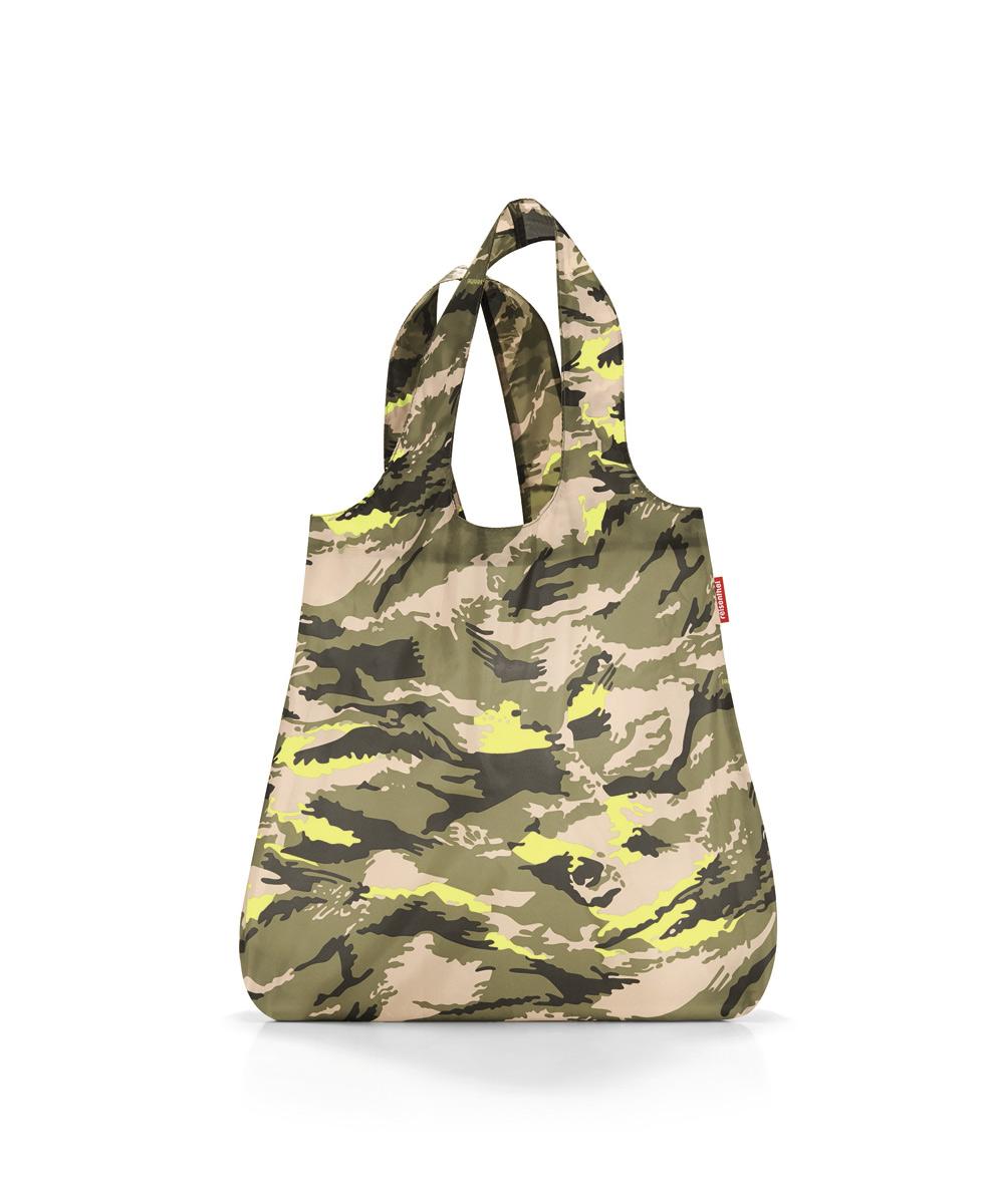 Сумка складная Reisenthel, цвет: бежевый, зеленый. AT5034AT5034Стильная и практичная сумка для покупок. Экологичная альтернатива одноразовым пакетам. - компактно сворачивается и фиксируется резинкой для удобства переноски; - размер в сложенном состоянии - всего 12 х 6 х 2 см; - удобные широкие ручки; - объем – 15 литров.