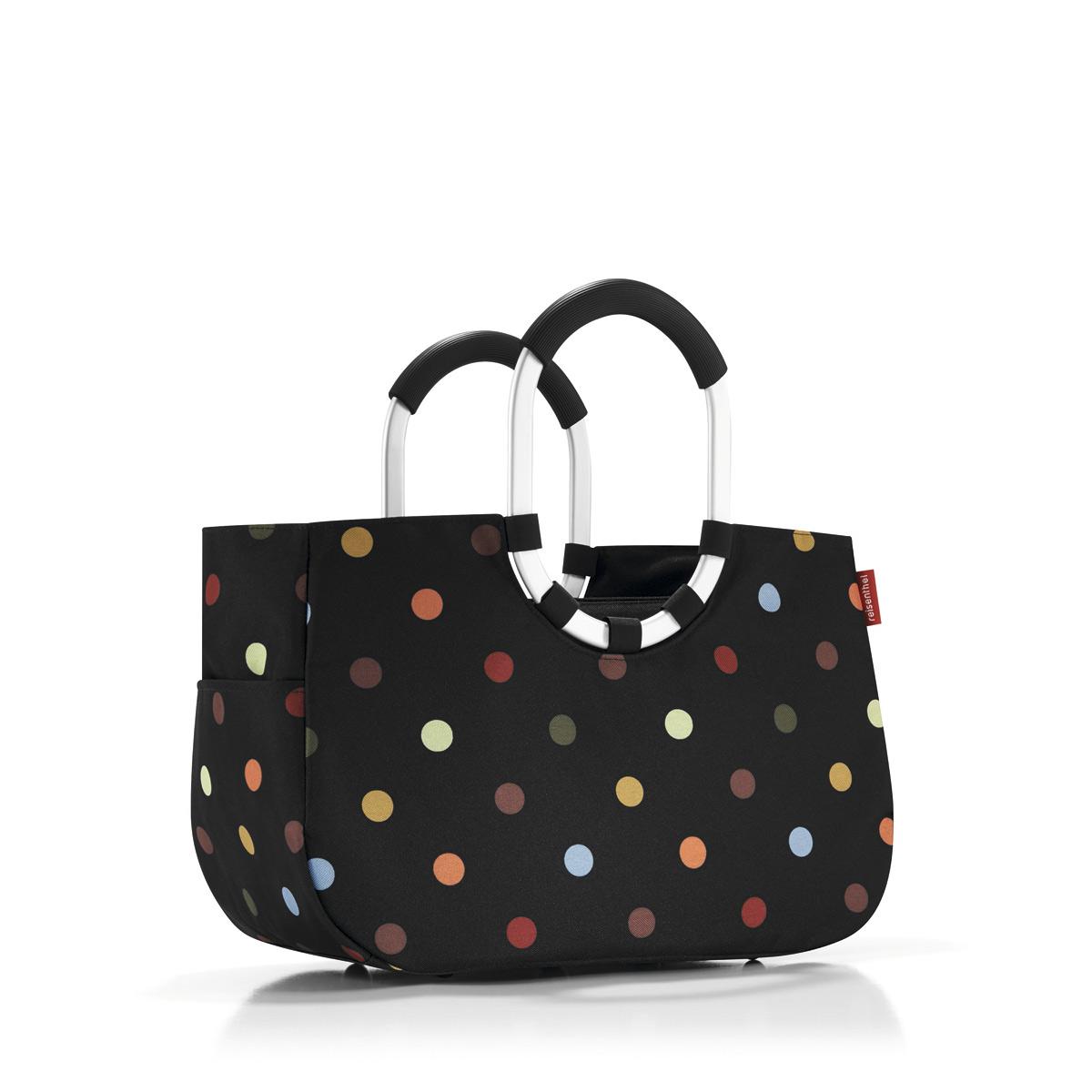 Сумка Reisenthel, цвет: черный. OS7009OS7009Элегантная шоппинг-сумка, которая выручит как в походе за продуктами, так и при сборах на дачу или на пикник. Ручки из прочного алюминия со специальным прорезиненным покрытием, очень удобно носить в руках. Внутри - карман, застегивающийся на молнию. Плюс два кармана снаружи, по бокам сумки. Так же есть съемная внутренняя сумочка с тремя отделениями (размер 23 х 28 х 8 см). Внутренний объем - 12 литров.