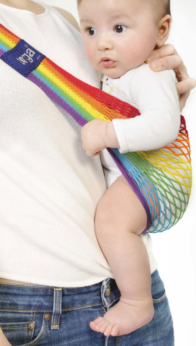 Filt Слинг-гамак Tonga Rainbow размер регулируемый745006Максимальный вес ребенка 15 кг. (с 4 мес. до 2,5 лет.) Легко регулируется под ваш размер. Разработан с врачами ортопедами. Сбалансированное распределение нагрузки для мамы, правильное положение для ребенка. Плетение разной плотности обеспечивает дополнительное удобство и комфорт. Рюкзак широкий там где нужно. Положение ног лягушкой способствует правильному формированию тазобедренных суставов ребенка. Ребенок плотно прижат к вам и находится под вашей защитой, он чувствует вас, ваше тепло, стук вашего сердца. Вы свободны для передвижений, ваши руки свободны при этом вы непрерывно общаетесь с ребенком. Изготовлен из 100% хлопока окрашен безопасными нетоксичными красителями. Машинная стирка при 30 градусах. Оригинальное плетение обеспечивает мягкость выше чем у обычной ткани и идеальную вентиляцию. В сложенном положении занимает совсем мало места в сумочке. Вес 144 гр.