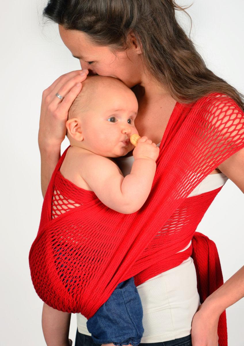 Filt Слинг-шарф FilUp Rouge размер S-M750021C рождения и до 15 кг. Два способа надевания слинга. Легко устанавливается с помощью центральной метки. Разработан с врачами ортопедами. Сбалансированное распределение нагрузки для мамы, правильное положение для ребенка. Положение лягушкой способствует правильному формированию тазобедренных суставов ребенка. Ребенок плотно прижат к вам и его голова и спина находится под вашей защитой, он чувствует вас, ваше тепло, стук вашего сердца. Вы свободны для передвижений, ваши руки свободны, при этом вы непрерывно общаетесь с ребенком. Изготовлен из 100% хлопока, окрашен безопасными нетоксичными красителями. Машинная стирка при 30 градусах. Оригинальное плетение обеспечивает эластичность и мягкость выше, чем у обычной ткани и идеальную вентиляцию. В подарок в комплекте оригинальная винтажная сумка сетка. Вес 460 г.