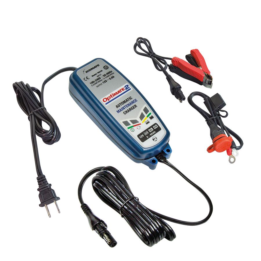 Зарядное устройство OptiMate 2. TM420TM420Многоступенчатое зарядное устройство Optimate от бельгийской компании TecMate с режимами тестирования, восстановления глубокоразряженных аккумуляторных батарей, десульфатации и хранения. Управление полностью автоматическое без кнопок. Заряжает все типы 12В свинцово-кислотных аккумуляторных батарей, в т.ч. AGM, GEL. Защита от короткого замыкания, переполюсовки, искрообразования, перегрева. Оптимизирует срок службы и здоровье аккумуляторной батареи. Гарантия 3 года. Влагозащищенный корпус. Рекомендовано 10-ю ведущими производителями мототехники. Optimate 2 рекомендуется для АКБ от 3Ач до 96 Ач. для длительного обслуживания. Ток зарядки 0,8А. Старт заряда АКБ от 2В. Температурный режим -20...+40С. В комплект устройства входят аксессуары O1 кольцевой разъем постоянного подключения и O4 зажимы типа крокодил.