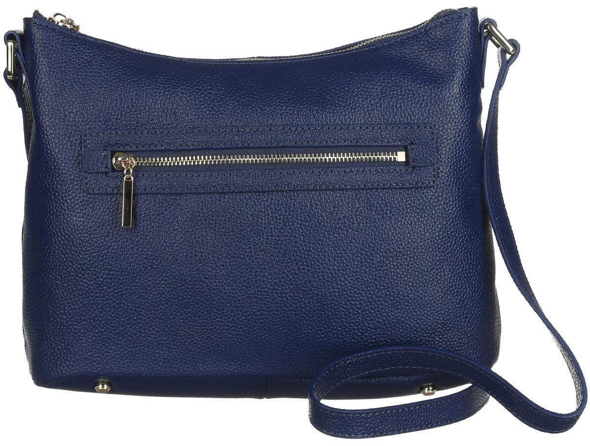 Сумка женская Fabretti, цвет: темно-синий. N2556N2556-blueСтильная женская сумка Fabretti выполнена из натуральной кожи зернистой фактуры и оформлена металлической фурнитурой. Изделие состоит из одного отделения и закрывается на металлическую застежку-молнию. Отделение содержит врезной карман на молнии, два нашивных кармана для телефона и мелочей и дополнительный маленький врезной кармашек на молнии. Лицевая и тыльная стороны дополнены врезными карманами на молниях. Сумка оснащена несъемным плечевым ремнем, регулируемой длины. Дно сумки дополнено металлическими ножками, защищающими изделие от механических повреждений. Прилагается фирменный текстильный чехол для хранения изделия. Сумка Fabretti внесет элегантные нотки в ваш образ и подчеркнет ваше отменное чувство стиля.