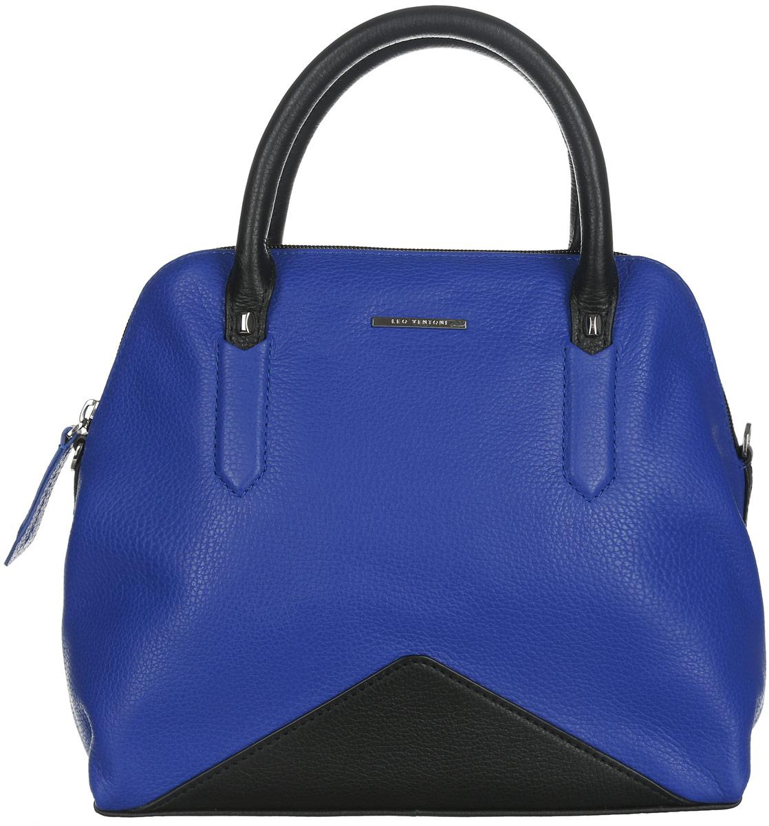 Сумка женская Leo Ventoni, цвет: черный, васильковый. 2300440323004403-blue/neroСтильная женская сумка Leo Ventoni выполнена из натуральной кожи с фактурным тиснением. Изделие содержит одно отделение, которое закрывается на застежку-молнию. Внутри расположено два накладных кармашка для мелочей и врезной карман на молнии. Снаружи, на задней стороне сумки, расположен врезной карман на застежке-молнии. Сумка оснащена удобными ручками и съемным плечевым ремнем. Оригинальный аксессуар позволит вам завершить образ и быть неотразимой.