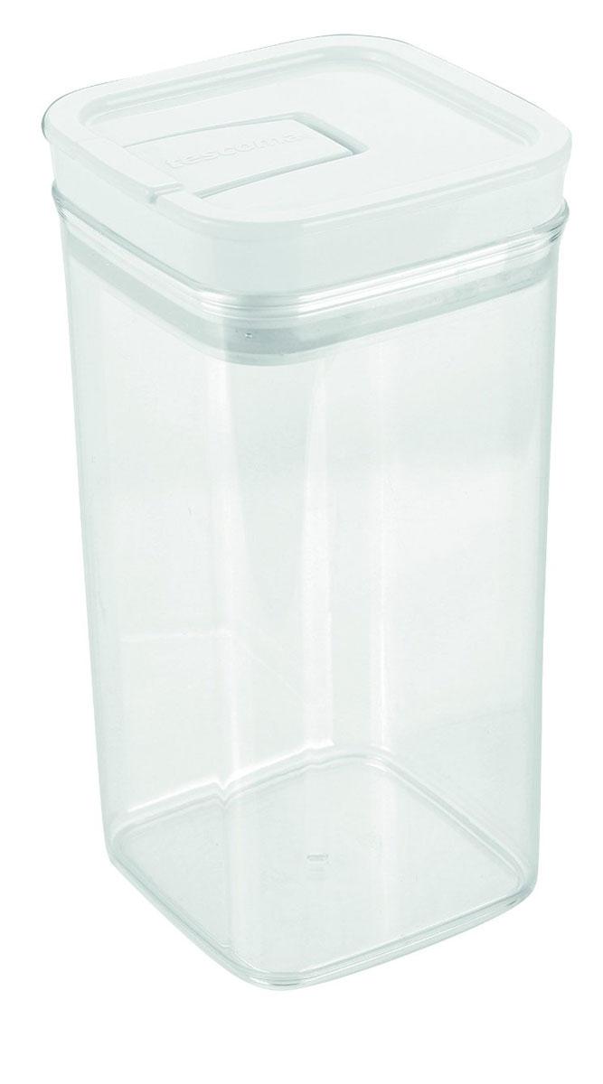 Контейнер пищевой Tescoma Airstop, 1,4 л891624Контейнер для сыпучих продуктов Tescoma Airstop изготовлен из высококачественного пищевого пластика. Изделие прозрачное, что позволяет видеть содержимое, это очень удобно и практично. Специальная крышка с силиконовым уплотнителем надежно и герметично закрывается, защищая пищу от высыхания и появления плесени. Крышка контейнера снабжена складной ручкой, благодаря чему изделие с легкостью можно открыть и закрыть. Контейнер очень вместителен, в нем можно хранить макароны, крупы, чай и другие сыпучие продукты, а также печенье или конфеты. Контейнер Tescoma Airstop - идеальный вариант для поддержания порядка на кухне. Можно использовать для хранения в холодильнике и мыть в посудомоечной машине (без крышки). Размер контейнера (с учетом крышки): 10 х 10 х 20 см.