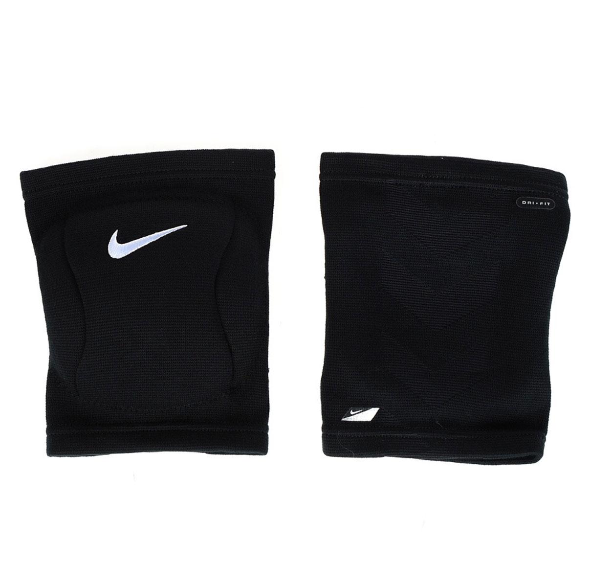 Наколенник Nike, цвет: черный. Размер L/XLN.VP.07.001.XXЗащитный наколенник для волейбола. В составе - вспененная резина, не натирают, комфортно сидят на ноге. С внутренней стороны - мягкая подкладка. Не стесняет движения. Очень легкие и плотно обтягивают ногу.