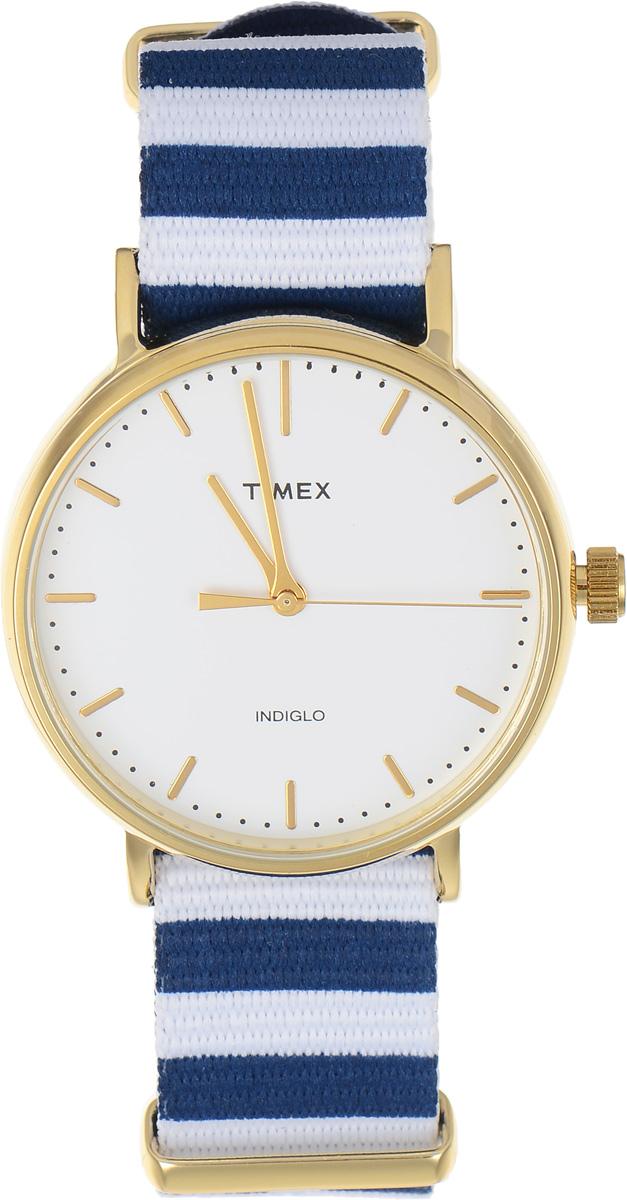 Часы наручные мужские Timex Weekender, цвет: синий, белый. TW2P91900TW2P91900Стильные мужские часы Timex Weekender - это модный и практичный аксессуар, который не только выгодно дополнит ваш образ, но и будет незаменим для каждого современного мужчины, ценящего свое время. Корпус с минеральным стеклом выполнен из латуни и оснащен задней крышкой из нержавеющей стали. Циферблат оснащен запатентованной электролюминесцентной подсветкой Indiglo и оформлен символикой бренда. Корпус изделия имеет степень влагозащиты 3 Bar, оснащен кварцевым механизмом и дополнен устойчивым к царапинам минеральным стеклом. Ремешок cо стильным принтом в полоску выполнен из нейлона и дополнен пряжкой, которая позволяет с легкостью снимать и надевать изделие. Часы поставляются в фирменной упаковке. Часы Timex подчеркнут ваш неповторимый стиль и дополнят любой наряд.