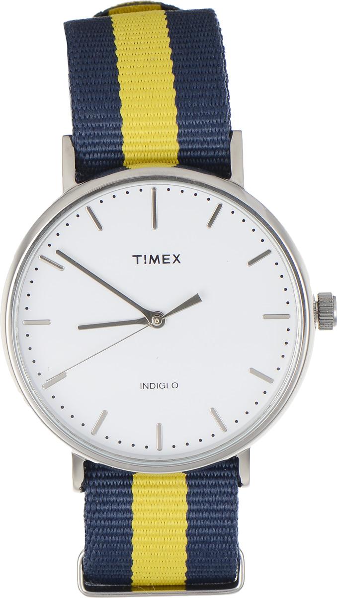 Часы наручные мужские Timex Weekender, цвет: темно-синий, желтый. TW2P90900TW2P90900Стильные мужские часы Timex Weekender - это модный и практичный аксессуар, который не только выгодно дополнит ваш образ, но и будет незаменим для каждого современного мужчины, ценящего свое время. Корпус с минеральным стеклом выполнен из латуни и оснащен задней крышкой из нержавеющей стали. Циферблат оснащен запатентованной электролюминесцентной подсветкой Indiglo и оформлен символикой бренда. Корпус изделия имеет степень влагозащиты 3 Bar, оснащен кварцевым механизмом и дополнен устойчивым к царапинам минеральным стеклом. Ремешок cо стильным принтом в полоску выполнен из нейлона и дополнен пряжкой, которая позволяет с легкостью снимать и надевать изделие. Часы поставляются в фирменной упаковке. Часы Timex подчеркнут ваш неповторимый стиль и дополнят любой наряд.
