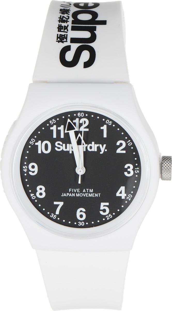 Часы наручные Superdry Urban, цвет: белый. SYG164WSYG164WСтильные часы Superdry Urban выполнены из нержавеющей стали, пластика и хезалитового стекла. Циферблат оформлен символикой бренда. Корпус изделия имеет степень влагозащиты 5 Bar, оснащен кварцевым механизмом и дополнен устойчивым к царапинам хезалитовым стеклом. Ремешок современного дизайна выполнен из силикона и оснащен пряжкой, которая позволит с легкостью снимать и надевать изделие. Часы поставляются в фирменной упаковке. Часы Superdry Urban сочетают в себе американский винтаж, японскую эстетику и традиционный британский стиль, тем самым прекрасно дополнят образ.