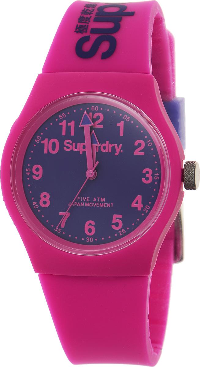 Часы наручные Superdry Urban, цвет: розовый. SYG164PVSYG164PVСтильные часы Superdry Urban выполнены из нержавеющей стали, пластика и хезалитового стекла. Циферблат оформлен символикой бренда. Корпус изделия имеет степень влагозащиты 5 Bar, оснащен кварцевым механизмом и дополнен устойчивым к царапинам хезалитовым стеклом. Ремешок современного дизайна выполнен из силикона и оснащен пряжкой, которая позволит с легкостью снимать и надевать изделие. Часы поставляются в фирменной упаковке. Часы Superdry Urban сочетают в себе американский винтаж, японскую эстетику и традиционный британский стиль, тем самым прекрасно дополнят образ.
