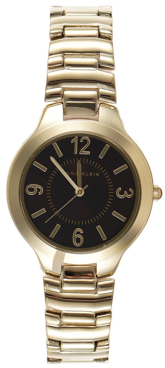 Часы наручные женские Anne Klein Daily, цвет: золотистый. 14501450 BNGBЭлегантные женские часы Anne Klein Daily выполнены из металлического сплава. Лаконичный корпус надежно защищен устойчивым к царапинам минеральным стеклом, а также имеет степень влагозащиты 3 Bar. Часы оснащены кварцевым механизмом, дополнены изящным браслетом со складным замком. В конструкции застежки предусмотрено дополнительное звено, благодаря которому возможно регулировать длину изделия. Часы поставляются в фирменной упаковке. Часы Anne Klein Daily подчеркнут изящество женской руки и отменное чувство стиля у их обладательницы.
