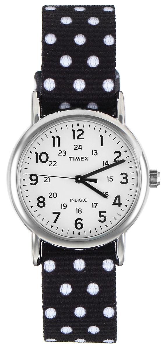 Часы наручные женские Timex Weekender, цвет: черный, белый. TW2P87100TW2P87100Стильные часы Timex Style Elevated - это модный и практичный аксессуар, который не только выгодно дополнит ваш наряд, но и будет незаменим для каждой современной девушки, ценящей свое время. Корпус с минеральным стеклом выполнен из латуни и оснащен задней крышкой из нержавеющей стали. Циферблат оснащен запатентованной электролюминесцентной подсветкой Indiglo и оформлен символикой бренда. Корпус изделия имеет степень влагозащиты 3 Bar, оснащен кварцевым механизмом и дополнен устойчивым к царапинам минеральным стеклом. Двусторонний ремешок cо стильным цветочным принтом выполнен из нейлона и дополнен пряжкой, которая позволяет с легкостью снимать и надевать изделие. Часы поставляются в фирменной упаковке. Часы Timex подчеркнут изящество ваших рук, а также ваш неповторимый стиль.