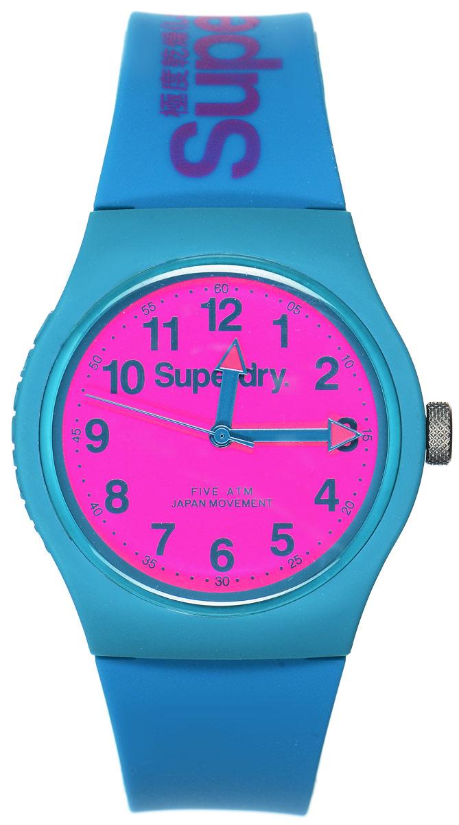 Часы наручные Superdry Urban, цвет: голубой, розовый. SYG164AUPSYG164AUPСтильные часы Superdry Urban выполнены из нержавеющей стали и пластика. Циферблат оформлен символикой бренда. Корпус изделия имеет степень влагозащиты 5 Bar, оснащен кварцевым механизмом и дополнен устойчивым к царапинам хезалитовым стеклом. Ремешок современного дизайна выполнен из силикона и оснащен пряжкой, которая позволит с легкостью снимать и надевать изделие. Часы поставляются в фирменной упаковке. Часы Superdry Urban сочетают в себе американский винтаж, японскую эстетику и традиционный британский стиль, тем самым прекрасно дополнят образ.