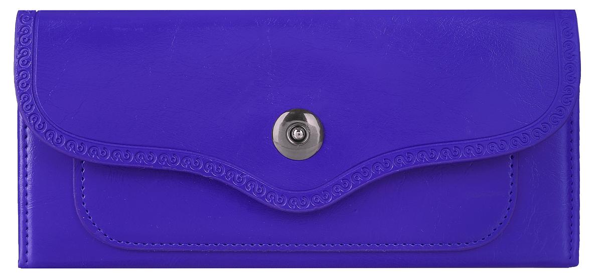 Кошелек женский Leighton, цвет: синий. 0005149500051495Стильный женский кошелек Leighton выполнен из искусственной кожи и закрывается фигурным клапаном на магнитную кнопку. Клапан оформлен узором по краю. Подкладка кошелька изготовлена из полиэстера. Изделие содержит три отделения для купюр, два боковых открытых кармана и один открытый карман с пластиковой стенкой, карман на молнии, четыре кармашка для кредитных карт или визиток, небольшой карман на передней стенке под клапаном. Кошелек Leighton станет отличным подарком для человека, ценящего качественные и практичные вещи.
