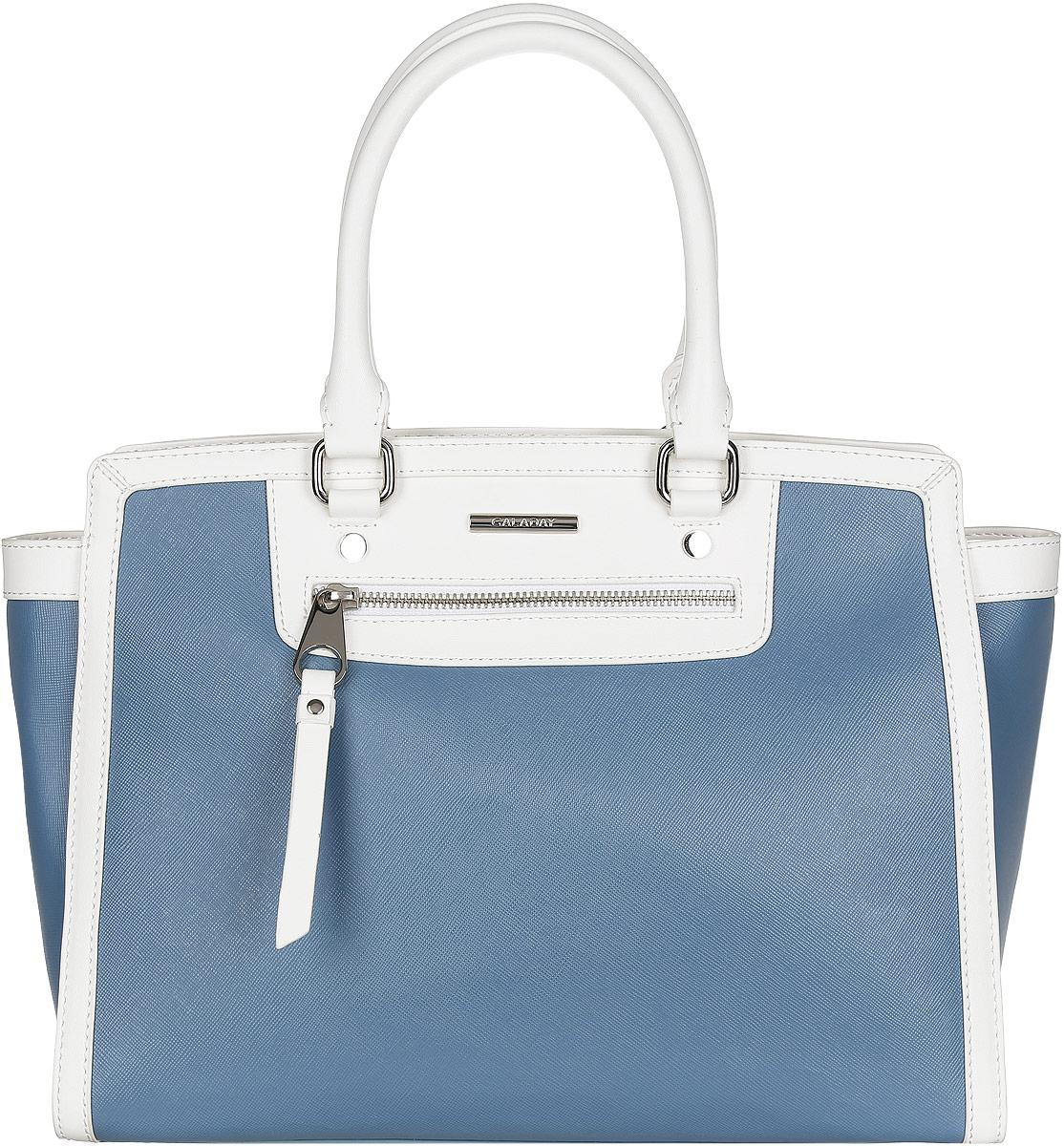 Сумка женская Galaday, цвет: серо-синий, белый. GD4726GD4726-blueСтильная женская сумка жесткой конструкции Galaday выполнена из натуральной кожи с фактурным тиснением под сафьян, оформлена металлической фурнитурой и логотипом бренда. Изделие содержит одно отделение, которое закрывается на пластиковую застежку-молнию. Внутри расположены карман-средник на молнии, два накладных кармашка для мелочей или телефона и врезной карман на молнии. Лицевая сторона дополнена врезным карманом на молнии. Снаружи, на задней стороне сумки, расположен врезной карман на молнии. Сумка оснащена двумя практичными ручками для переноски, которые дополнены металлической фурнитурой и съемным плечевым ремнем, регулируемым по длине. На дне сумки предусмотрены металлические ножки, защищающие ее от механических повреждений. Прилагается фирменный текстильный чехол для хранения изделия. Оригинальный аксессуар позволит вам завершить образ и быть неотразимой.