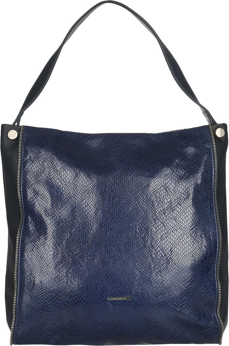 Сумка женская Leo Ventoni, цвет: темно-синий. LV6045LV6045Стильная женская сумка Leo Ventoni выполнена из натуральной качественной кожи с тиснением под змею. Модель оформлена металлической пластиной логотипа бренда и декоративными молниями. Сумка состоит из одного вместительного отделения и закрывается на пластиковую застежку-молнию. Отделение содержит два накладных кармана для мелочей и телефона, два кармана на молниях и открытый боковой карман на кнопке. На задней стенке - врезной карман на застежке-молнии. Сумка оснащена одной удобной ручкой, высота которой позволяет носить сумку на сгибе руки или на плече. Прилагается фирменный текстильный чехол для хранения изделия. Роскошная сумка внесет элегантные нотки в ваш образ и подчеркнет ваше отменное чувство стиля.