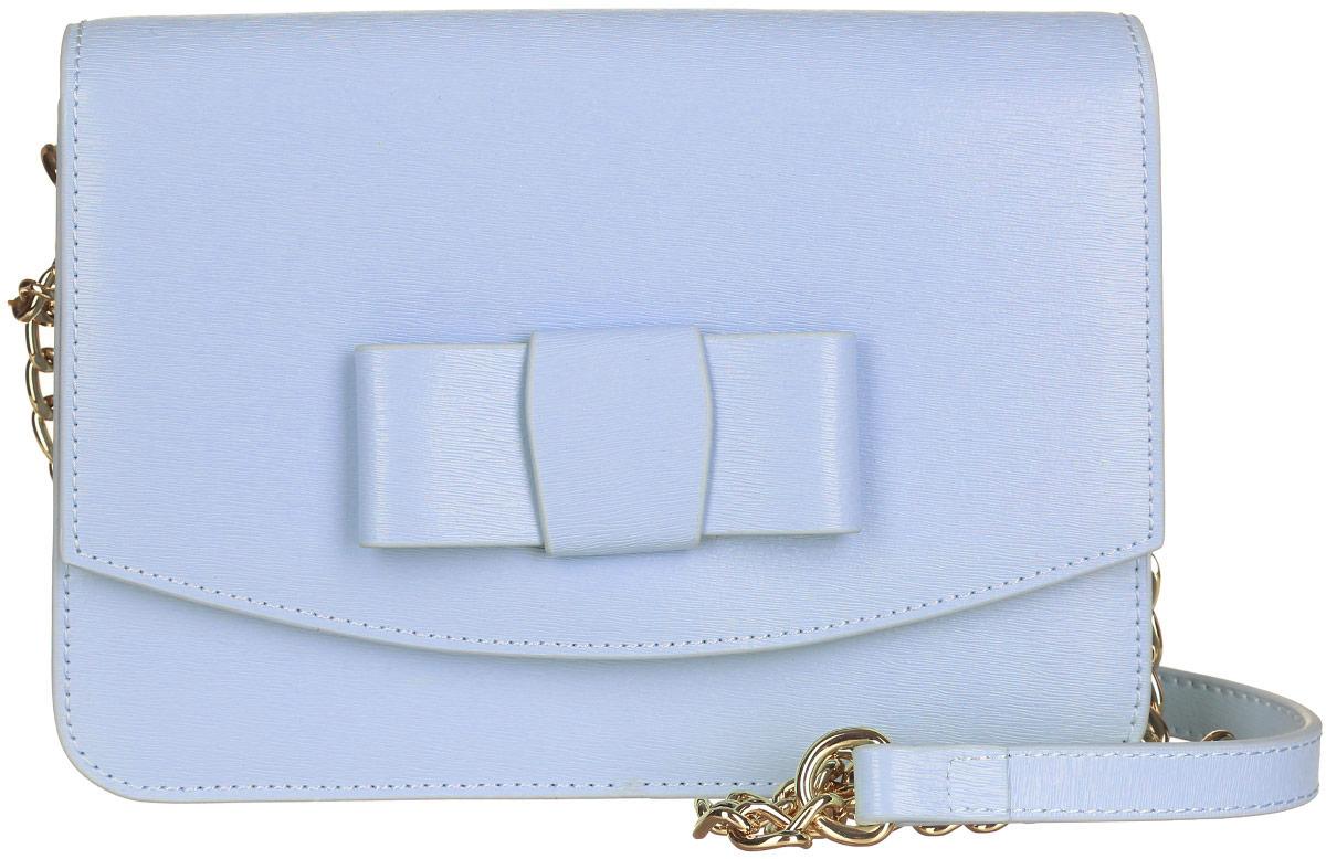 Сумка женская Galaday, цвет: голубой. GD4952QGD4952Q-l.blueСтильная сумка Galaday, выполненная из натуральной кожи с фактурным тиснением, оформлена кокетливым бантиком. Изделие застегивается клапаном на магнитную кнопку. Внутри расположены три накладных кармашка для мелочей, один из которых закрывается на кнопку, а другой на застежку-молнию. Изделие оснащено наплечным ремнем-цепочкой. К сумке прилагается фирменный чехол для хранения. Элегантная сумка прекрасно дополнит ваш образ.