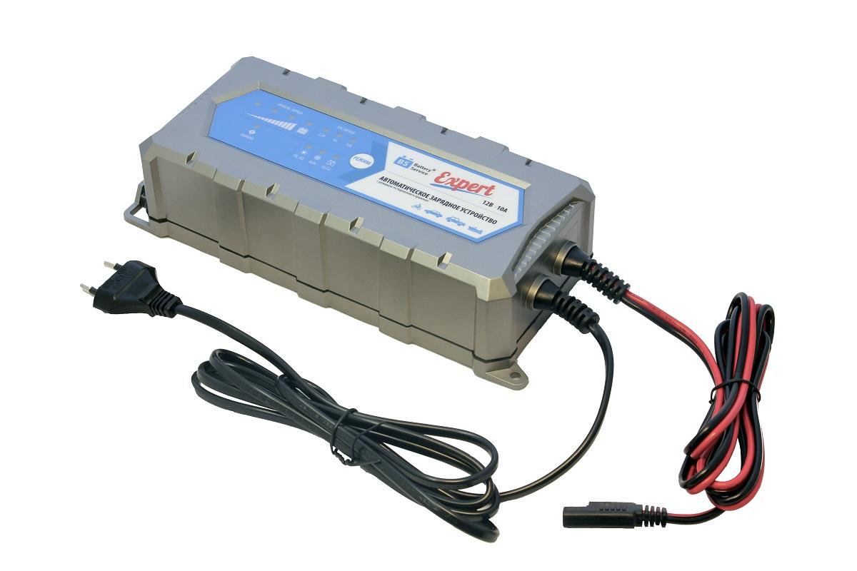 Устройство Battery Service Expert. PL-C010PPL-C010PМногоступенчатое зарядное устройство Battery Service Expert оснащено режимами тестирования, восстановления глубокоразряженных аккумуляторных батарей, десульфатации и хранения. Интеллектуальное управление микропроцессором. Заряжает все типы 12В свинцово-кислотных аккумуляторных батарей, в том числе AGM, GEL, кальциевые Ca/Ca. Устройство защищено от короткого замыкания, переполюсовки, перегрева. Пыле и влагозащищенный корпус с классом защиты IP65. Battery Service Expert рекомендуется для АКБ от 5 Ач до 240 Ач. В комплект устройства входят аксессуары - кольцевой разъем постоянного подключения и зажимы типа крокодил. Совместимо с аксессуарами сторонних производителей с разъемом SAE. Сеть: 100-240В, 50/60 Гц. Мощность: 175 Вт. Напряжение окончания заряда: 14,4В (свинцово-кислотные/гелевые батареи), 14,7В (AGM батареи), 16В (кальциевые батареи). Ток заряда: 2,5 А, 6 А, 10 А. Минимальное остаточное напряжение батареи: 2В. Типы аккумуляторных...