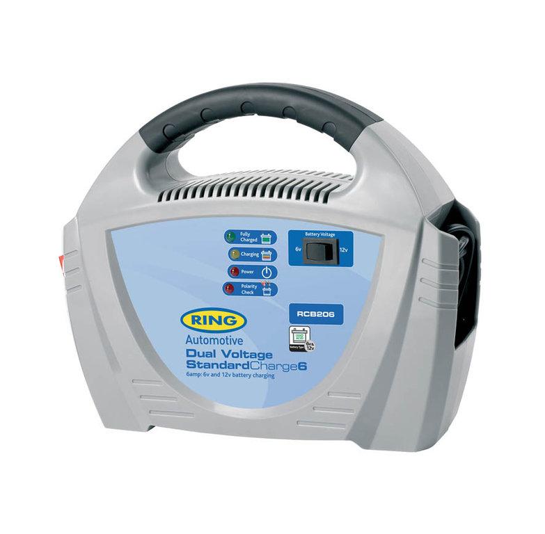 Зарядное устройство Ring Automotive. RECB206RECB206Зарядное устройство для свинцово-кислотных аккумуляторных батарей 6В и 12В. Ток зарядки 6А. Переключатель режимов 6В/12В. Зажимы типа крокодил и кабель питания убираются внутрь прибора. Автоматическая работа. Светодиодные индикаторы зарядки и заряженной батареи. Рекомендуется для АКБ емкостью 20 - 70Ач. Защита от обратной полярности. Удобная ручка для переноски.