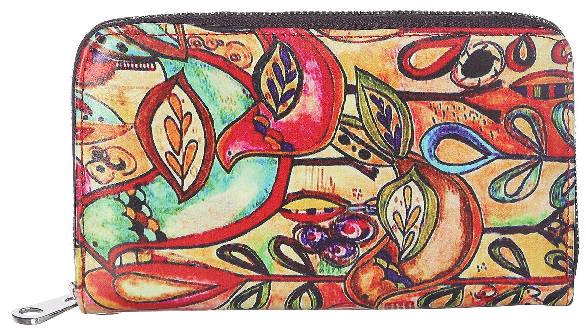 Кошелек женский Модные истории, цвет: мультицвет. 3/0226/6073/0226/607Практичный кошелек Модные истории изготовлен из искусственной кожи, оформлен принтом с изображением птиц. Изделие содержит одно отделение, закрывающееся на застежку-молнию. Внутри расположены три отделения для купюр, отделение для монет на молнии, два потайных кармашка и 12 кармашков для пластиковых карточек. Кошелек дополнен съемной петлей для переноски на запястье. Практичный аксессуар вместит в себя все необходимое, позволит вам завершить образ и быть неотразимой.