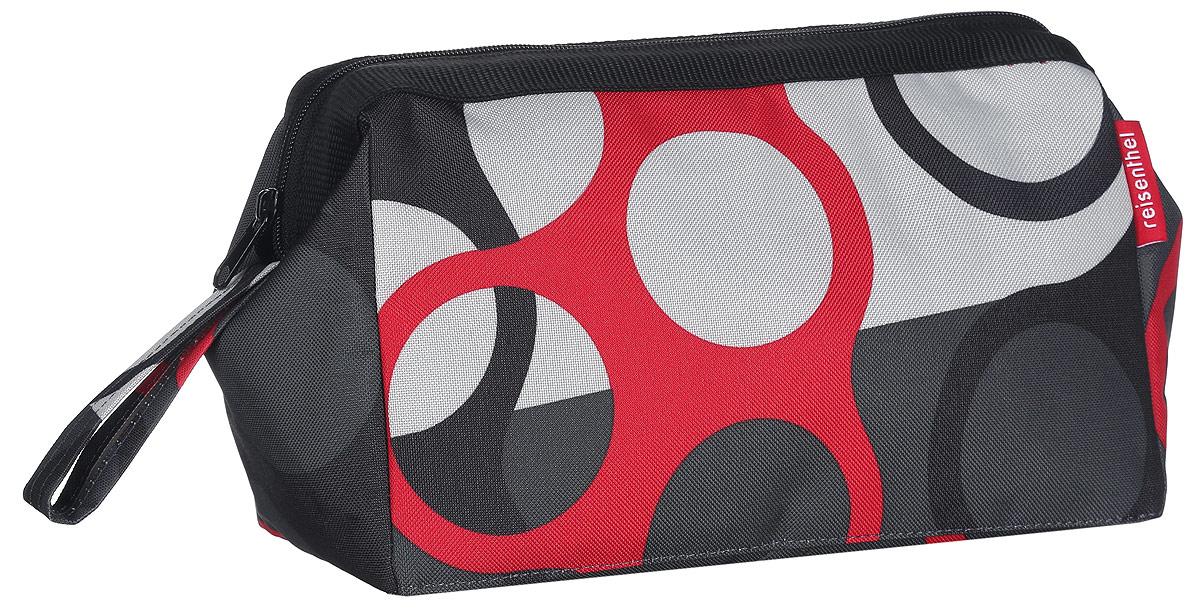Косметичка Reisenthel Travel, цвет: черный, белый, красный, темно-серый. WC7025WC7025Практичная и вместительная косметичка Reisenthel Travel выполнена из прочного, устойчивого к разрывам, полиэстера и оформлена оригинальным принтом. Модель предназначена для хранения косметики, маникюрных принадлежностей и других аксессуаров, которые могут вам понадобиться ежедневно или в путешествиях. Изделие имеет одно основное отделение, которое закрывается на застежку-молнию. Отделение содержит врезной карман на молнии и три сквозных кармана-держателя. Встроенные металлические скобы удерживают косметичку в открытом состоянии, чтобы вам удобнее было достать нужные предметы. Сбоку расположен удобный ремешок для переноски. Косметичка - это стильный и практичный аксессуар, который будет полезен как женщине, так и мужчине.