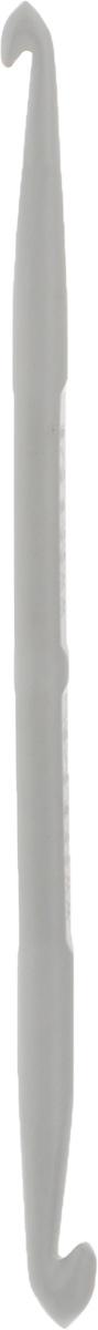 Крючок для вязания Pony, металлический, двусторонний, диаметр 5-6 мм, длина 13,5 см45909Двусторонний крючок Pony выполнен из высококачественного алюминия. Крючок предназначен для вязания и плетения из ниток, ручного изготовления полотна. Идеально гладкая головка и стержень крючка обеспечивают равномерное скольжение петель. Вязание крючком применяют как для изготовления одежды целиком, так и отделочных элементов одежды или украшений. Вы сможете вязать для себя и делать подарки друзьям. Рукоделие всегда считалось изысканным, благородным делом. Работа, сделанная своими руками, долго будет радовать вас и ваших близких. Подарок, выполненный собственноручно, станет самым ценным для друзей и знакомых.