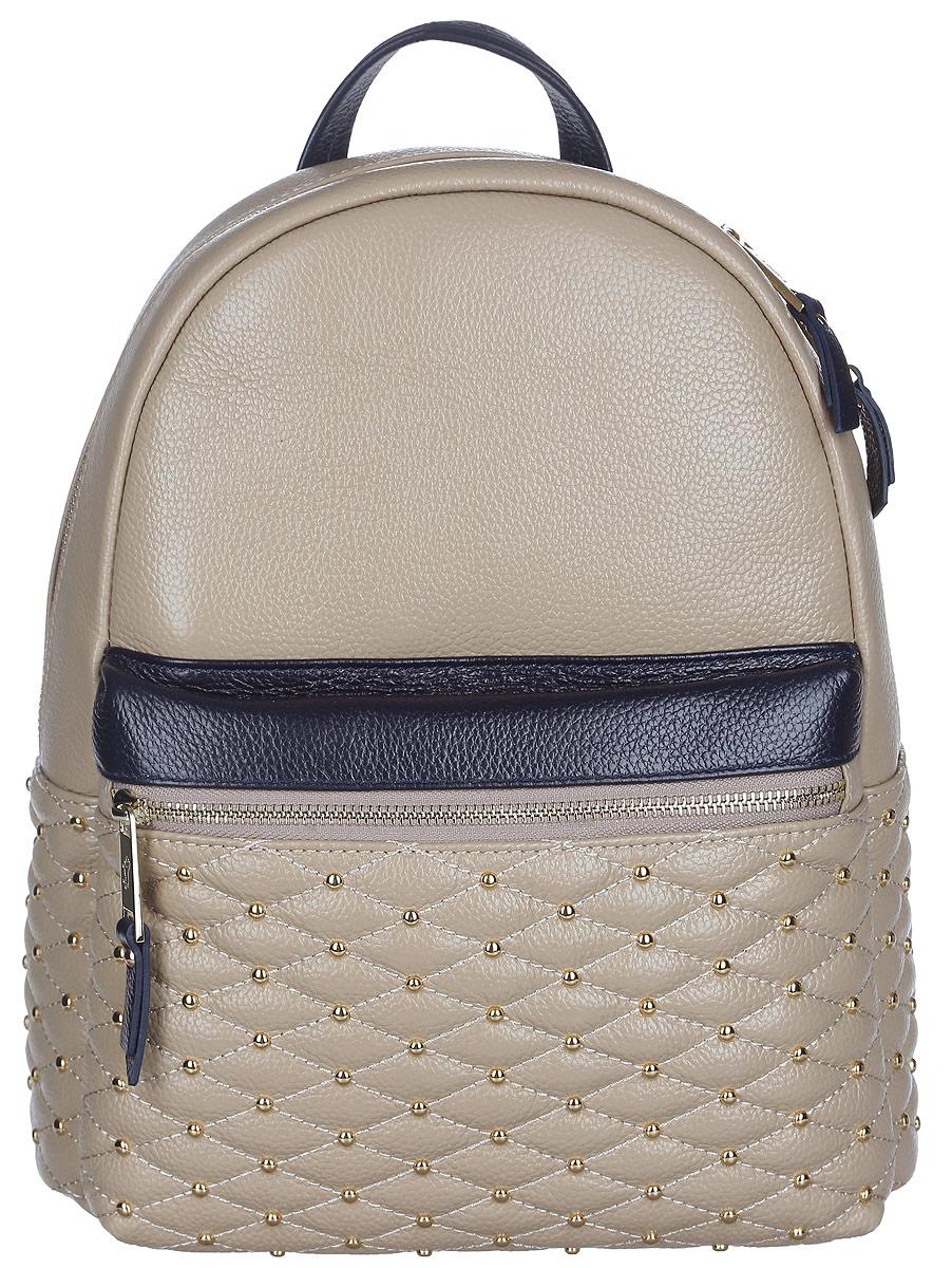 Рюкзак женский Labbra, цвет: бежевый. L-SD1013L-SD1013Стильный женский рюкзак Labbra, выполненный из натуральной кожи с зернистой фактурой, оформлен декоративной строчкой и металлическими клепками. Изделие содержит одно основное отделение, закрывающееся на застежку-молнию. Внутри расположены два накладных кармана для мелочей, врезной карман на застежке-молнии и открытый карман для планшета с мягкой стенкой. Лицевая сторона изделия дополнена объемным карманом на застежке-молнии. Рюкзак оснащен удобными лямками регулируемой длины и петлей для подвешивания. В комплекте с изделием поставляется фирменный чехол для хранения. Практичный и стильный аксессуар позволит вам завершить свой образ и быть неотразимой.